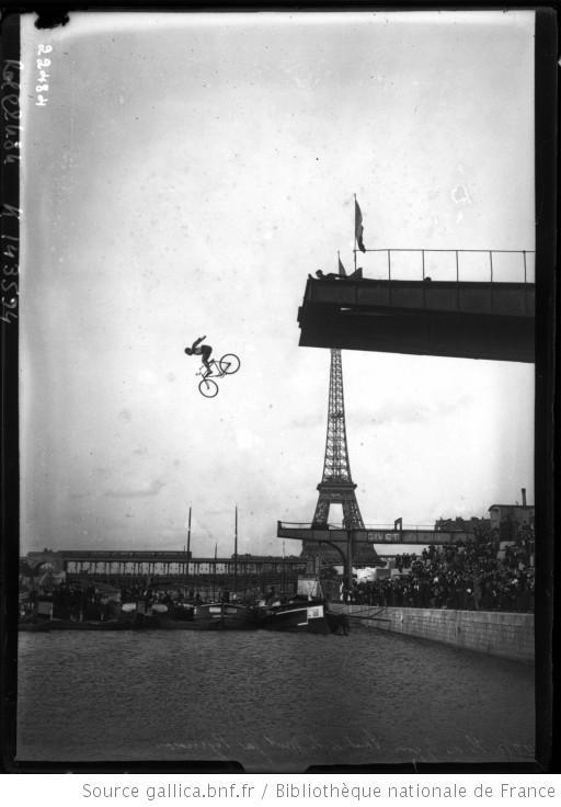 Agence Rol, Saut de la mort par Peyrusson, 1912