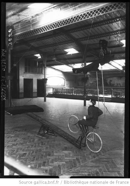 Agence Rol, Schlax, saut périlleux à bicyclette, 1910