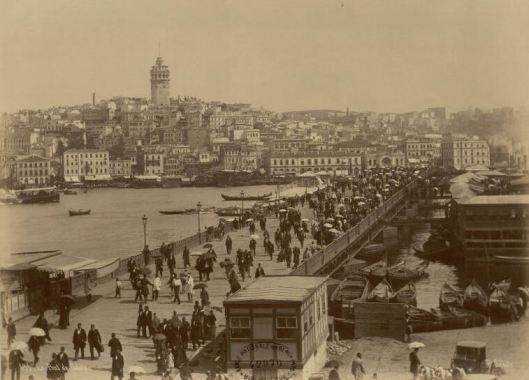 Pascal Sebah, Le pont et la tour de Galata, Constantinople, photographie, ENSBA/INHA