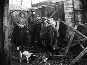 Agence Meurisse, La zone à la Porte de Clignancourt , famille, 1928, Gallica