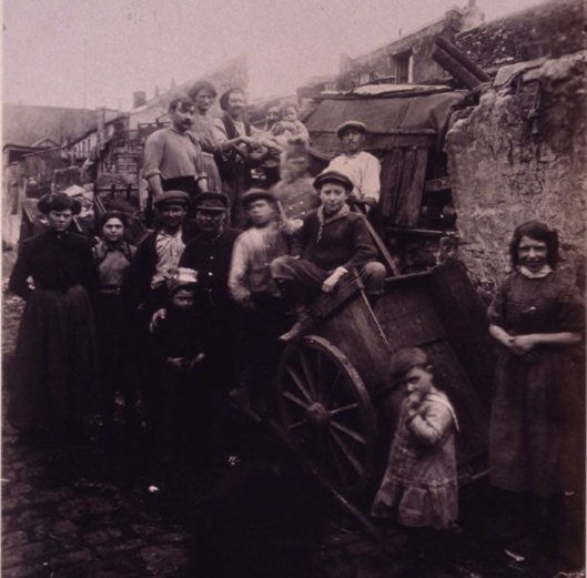 Atget, porte d'Asnières, cité Valmy, 1913, Gallica