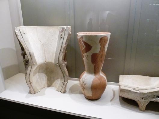 Picasso, Vase aux danseuses, 1950, terre cuite et son moule, succession Picasso