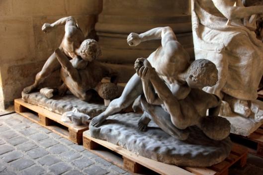 Moulages en plâtre d'après les lutteurs antiques du Musée des Offices