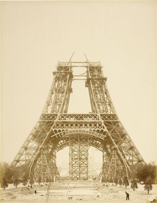 Durandelle, 19 juillet 1888, La Tour Eiffel jusqu'au bas de la 2nde plate-forme, photographie, fonds Eiffel, musée d'Orsay/RMN