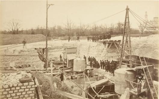 Durandelle, 30 avril 1887, 30 avril 1887 : visite à la pile n° 1, photographie, fonds Eiffel, musée d'Orsay/RMN