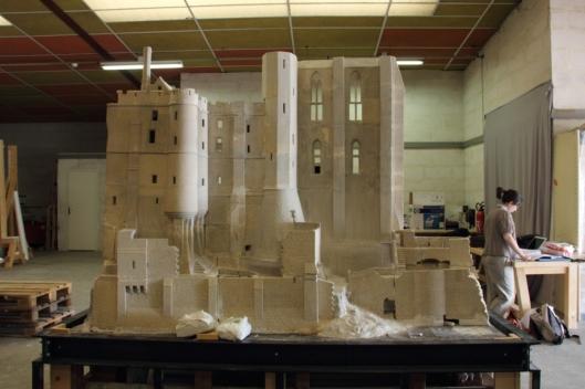La maquette du Mont Saint Michel, photo prise lors d'un tournage dans les réserves du musée.