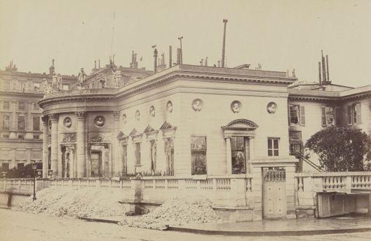 Hôtel de Salm incendié pendant la Commune, 1871