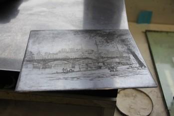 Matrice d'estampe en cours d'encrage, Pont Paris